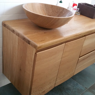 Mobilier lemn masiv baie