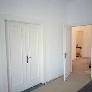 Recondiţionat uşi si realizat toc cu pervaze şi căptuşeli
