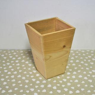 Cutie lemn conică