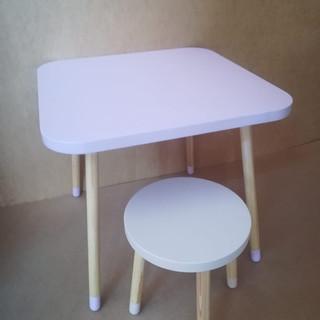 Set măsuţă cu un scaun