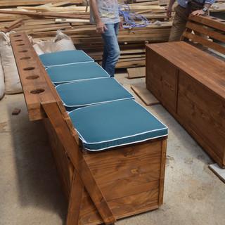 Mobilier lemn masiv pentru ponton