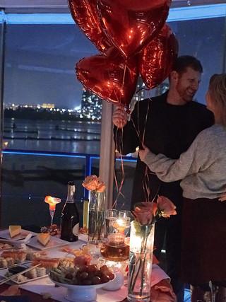 Романтический ужин в Киеве на маяке