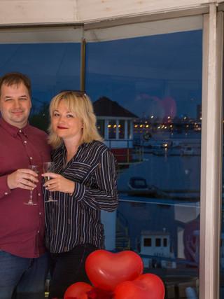 Романтическое свидание на маяке в Киеве