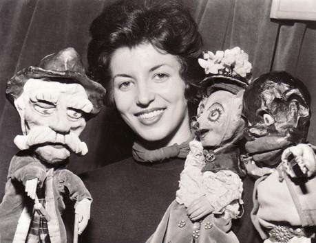 Olivia Hopkins1 1952.jpg