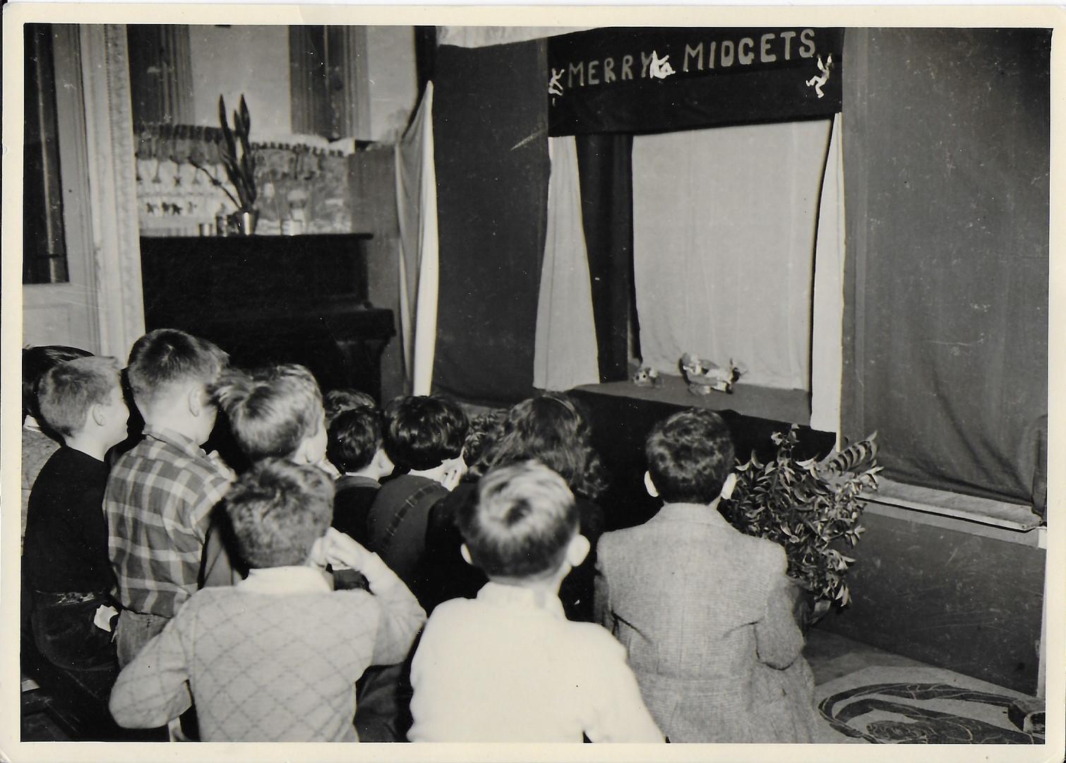 children watching MM.jpg