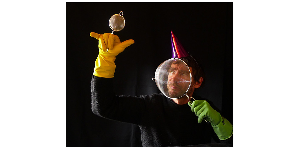 Doing The Dishes by Sokobauno Puppet Theatre