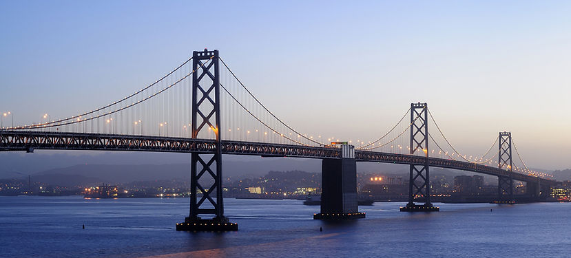 Le pont symbolise le passage entre 2 points de vue, 2 lieux différents, qui peuvent se rencontrer...