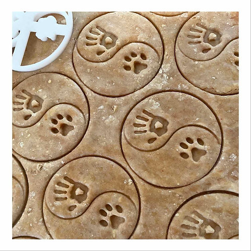 Hand to paw cookies