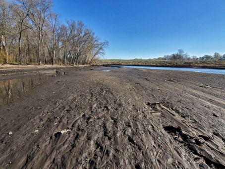Local government officials and activists come forward to save the Kalamazoo River