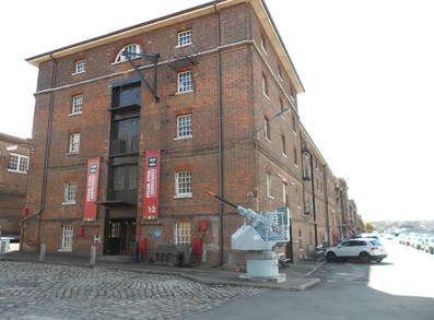 The Fitted Rigging House