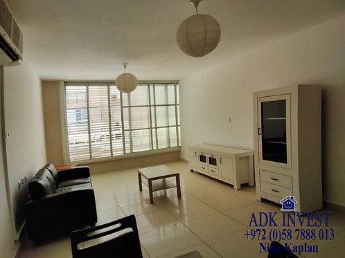 В аренду в центре Нетании 3 комнаты у пляжа   להשכרה בנתניה דירת 3 חדרים