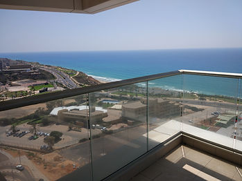Продажа квартир в Нетании, квартира на берегу моря, вид на море, побережье Нетании
