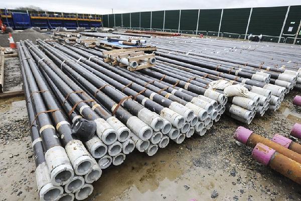 Fracting pipe.jpg