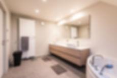 Waves_Bathroom.jpg