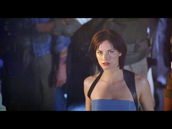 sienna-guillory (1).jpg