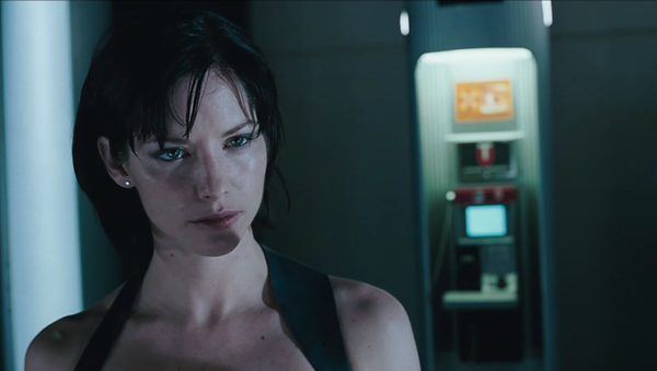 movie_pic_001_074_sienna_guillory_reside
