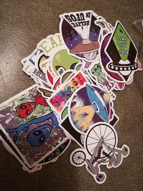 """5 autocollants """"OVNI"""" stickers alien UFO vente"""