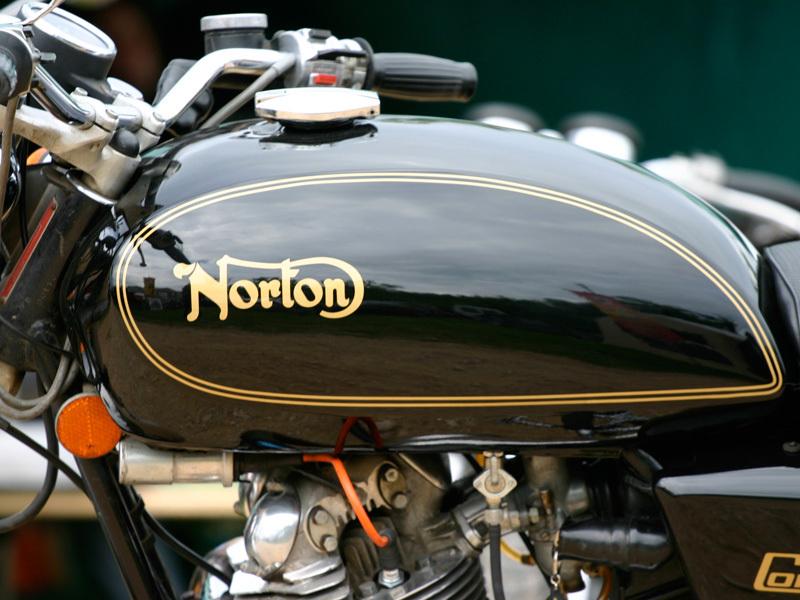 NORTON-750.jpg