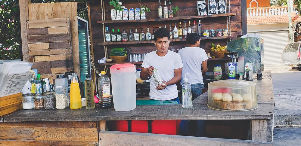 barmani w meksykańskiej restauracji