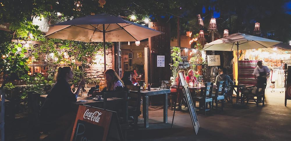 klimatyczna restauracja w centrum Tulum w Meksyku