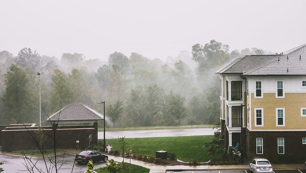 huragan Michael burza w Północnej Karolinie lasy i budynki