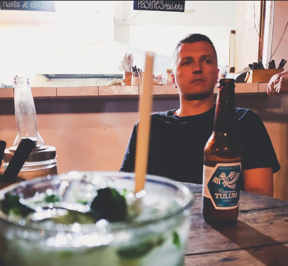 wieczór w meksykańskiej knajpie