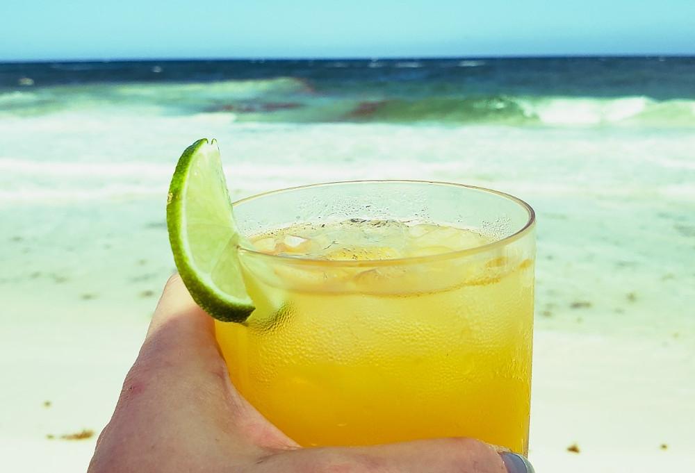 drink na plaży w Tulum