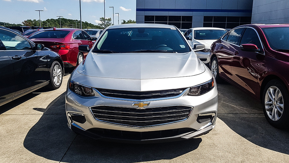 Chevrolet Malibu 2017 silver car sedan limuzyna usa ameryka