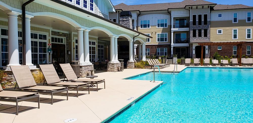 basen mieszkanie w usa ameryka stany zjednoczone życie w usa wynajem mieszkania basen osiedle