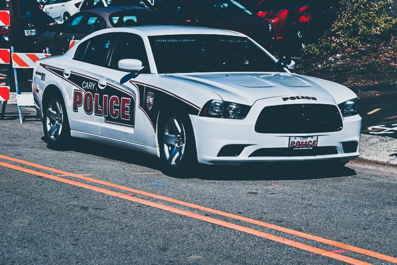 samochód policyjny cary police w usa