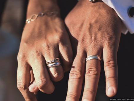 Le dije  SI QUIERO!...  la historia de los anillos de boda