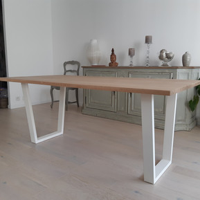 Table_piedsblancs.jpg