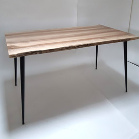 table_noyer_piedconiques_5.jpg