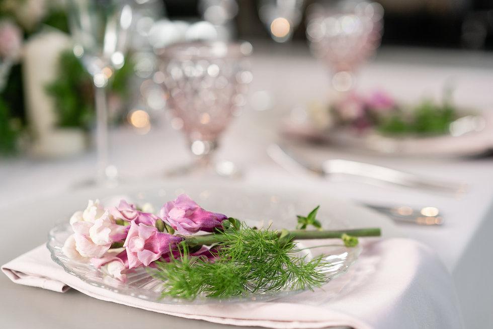 Smuk tallerken med blomster.jpeg