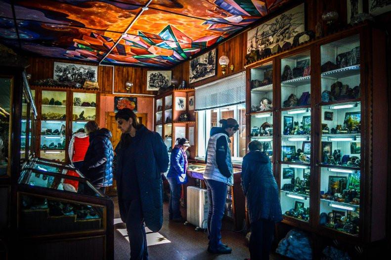Музей минералов на Байкале.jpg