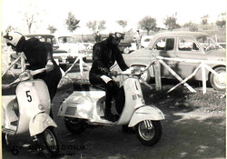 Argilli-1967 Motogiro con Vespa.jpg