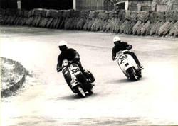 Argilli-1969 Motogiro- Circuito insegue una Vespa.jpg