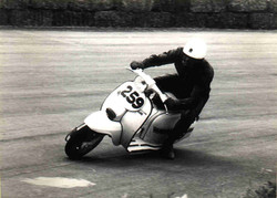 Argilli-1969 Motogiro- Piega in circuito.jpg