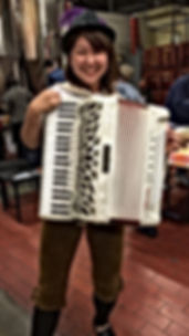 Accordianist-1.JPG