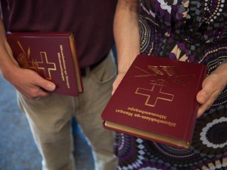 Cristãos Perseguidos preferem a Bíblia Impressa ao invés da digital e estão dispostos a dar a vida p