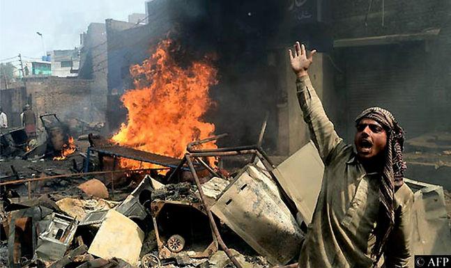 Paquistão Absolve Muçulmanos Acusados de Atacarem Cristãos