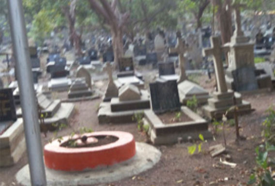 Governo da Índia remove símbolos cristão de cemitério