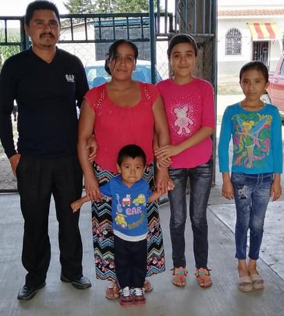 Famílias são obrigadas a negar a fé protestante, em El Encanto. (Foto: Reprodução / Facebook)