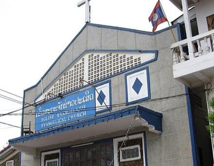 """Laos: Cristãos são presos e impedidos de realizar cerimônia fúnebre - contrária aos """"costumes"""" local"""