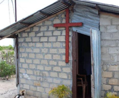 Pastor é forçado a fechar a igreja após ameaças e intimidações de monges budistas no Sri Lanka