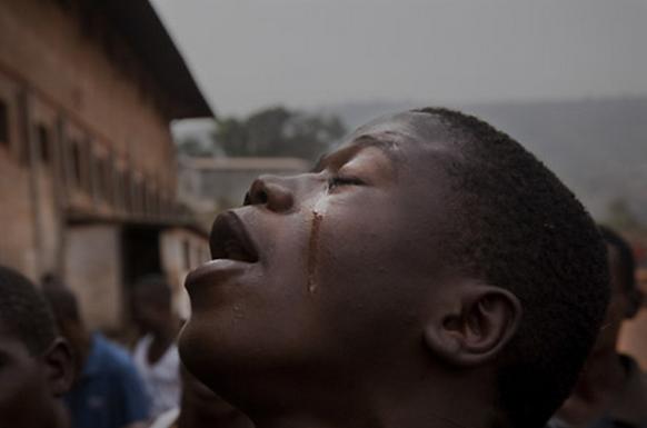 Cristãos são mortos por tentarem Proteger Meninas de Conversão Forçada ao Islão