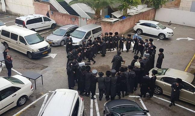 Congregação cristã em Israel enfrenta constante perseguição por parte de judeus ultraortodoxos