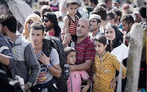 Refugiados na Grécia Convertem-se a Cristo e Compartilham a Sua Fé