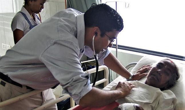 Após perseguição cristã, médico retorna à Índia para continuar trabalho missionário