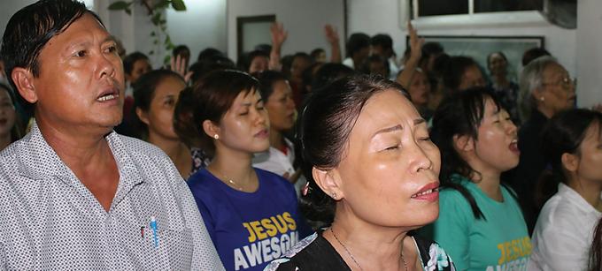 Cristãos são agredidos e presos por se recusarem a adorar Buda no Vietname